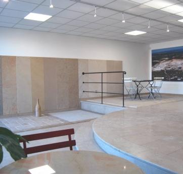 Show room de la marbrerie de Comblanchien