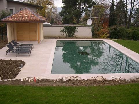 Aménagement de terrasse en pierre naturelle